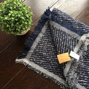 NWT Francesca's navy blue blanket scarf